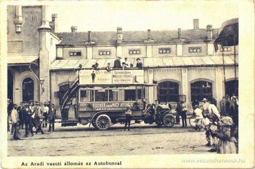 Autobuz in fata garii 1908
